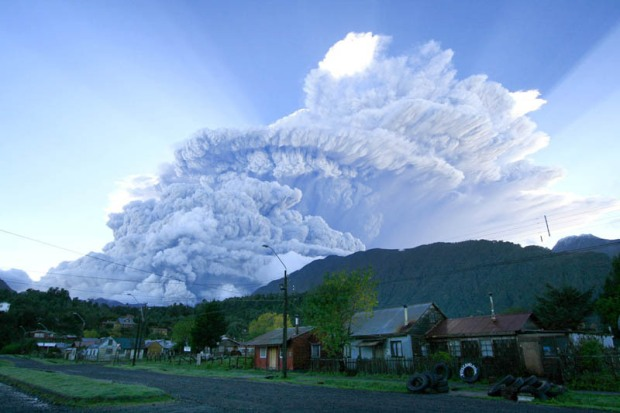 chaiten-volcano-eruption-chile-2008