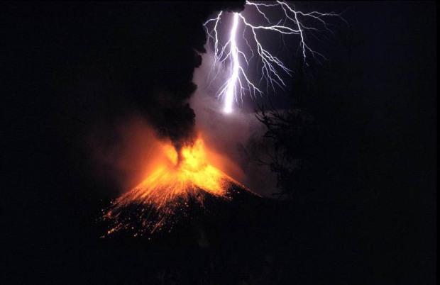 indonesia-lombok-mount-rinjani-volcanic-eruption
