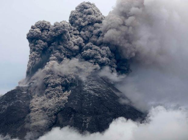 mount-merapi-volcano-eruption