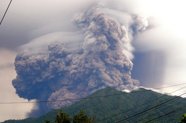 mount-soputan-voalcno-eruption-plume-cloud-smoke-2008