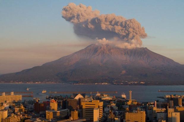sakurajima-volcano-at-sunset-japan